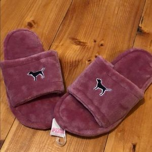 NWT VS PINK fuzzy slippers Size Small